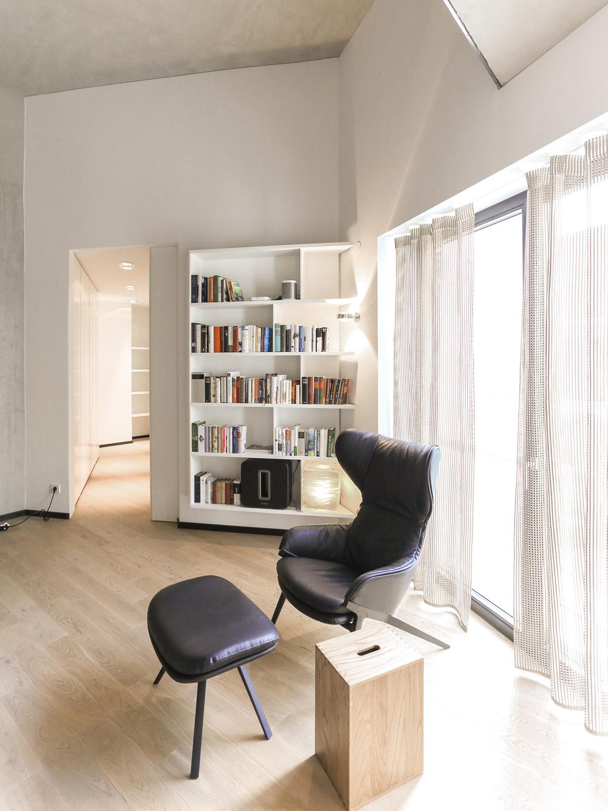 Richard-Moessmer-Bibliothek-2